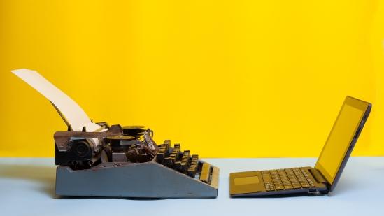 typewriter vs laptop